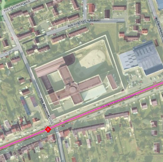 Aerial view of the Amiens prison (Geoportail)