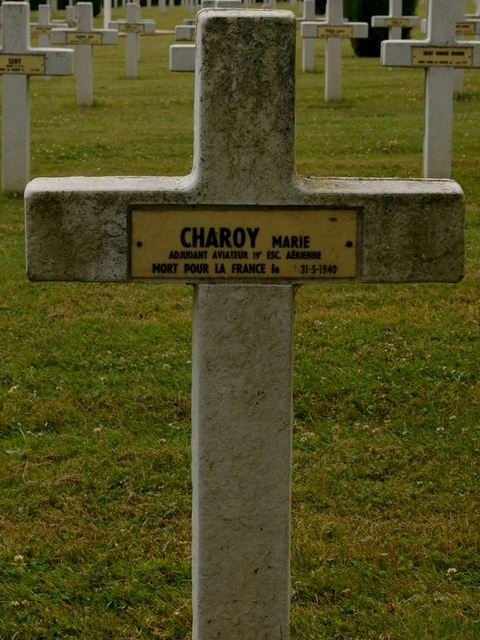 Tombe Charoy