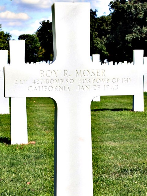 Tombe 2Lt Moser