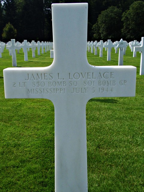 Tombe 2Lt Lovelace