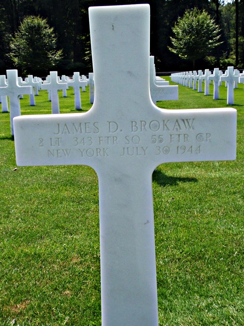 Tombe 2Lt Brokaw