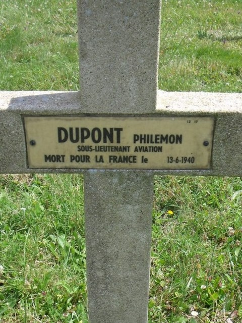 Tombe S/Lt Dupont