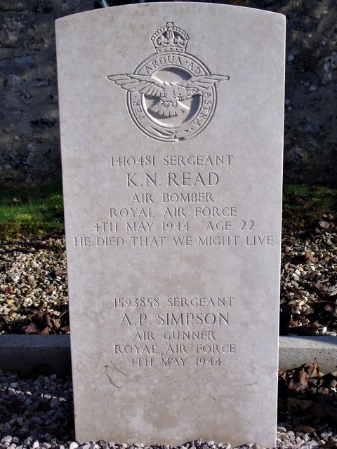 Tombe Sgts Read & Simpson