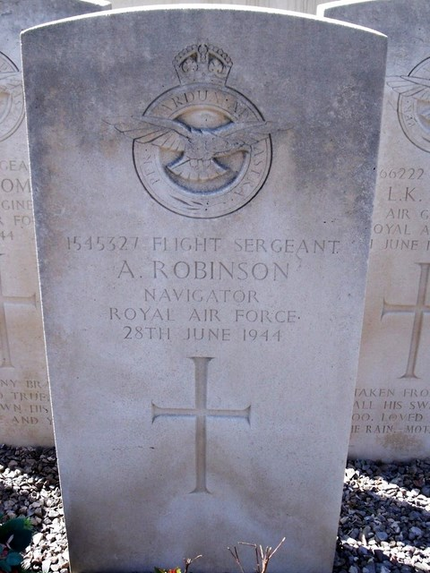 Tombe F/Sgt Robinson