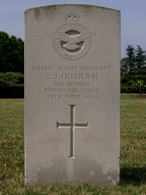 Tombe F/Sgt Outram