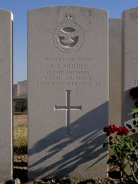Tombe Sgt Moore