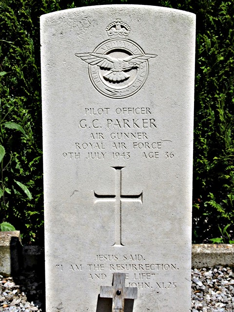 Tombe P/O Parker