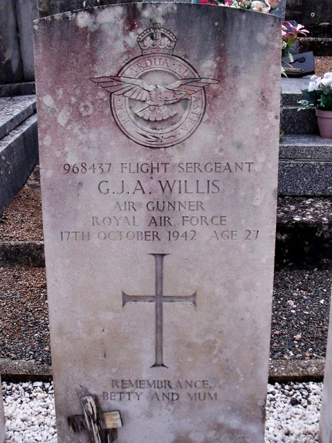Tombe F/Sgt Willis